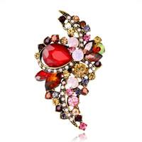 kırmızı çiçek broş toptan satış-Yeşil Kırmızı Çiçek Pin Broş Tasarımcı Broş Rozeti Metal Emaye Pin Broche Kadınlar Lüks Takı Parti Dekorasyon