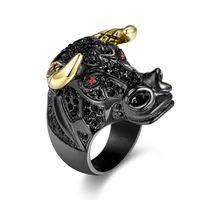 edelstahl stier großhandel-Edelstahl Tier Bull Kopf Ring Mens Crystal gepflastert Black Plated Mode Glücksringe CZ Gold Black Rock Rapper Party Geschenk Schmuck