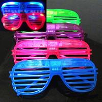 761a745544 Gafas de sol de luz LED Obturadores de plástico Forma gafas de destello  Gafas de sol luminosa de larga duración para niños y niñas 1 55zp dd