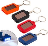 llavero led mini luz solar al por mayor-Lindo modelo de energía solar llavero linterna LED Lámpara de luz Mini llavero 3 LED multicolor recargable llavero linternas