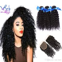 doğal renk brezilya kıvırcık saç toptan satış-WYF 100% Işlenmemiş Brezilyalı Insan Saçı Dantel Kapatma Ile 8A brezilyalı Kıvırcık Örgü 3 Demetleri Kıvırcık Brezilyalı Saç Uzantıları Doğal Renk