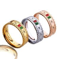 roter rosafarbener diamantring großhandel-Edelstahl Gold Ringe mit rot grün bar und Diamanten Silber Roségold Paar Liebhaber Band Ringe für Frauen und Männer edlen Schmuck