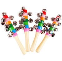 glocke holzspielzeug instrumente pädagogischen großhandel-Heißer Verkauf Cartoon Babyrassel Regenbogen Rasseln mit Glocke Holzspielzeug Instrumente pädagogisches Spielzeug großes Geschenk für Kinder oder Enkel