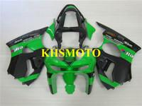 kawasaki 1998 kits de carenado zx6r al por mayor-Kit de carenado de motocicleta de alto grado para KAWASAKI Ninja ZX6R 636 98 99 ZX 6R 1998 1999 ABS Verde negro Carenados conjunto + Regalos KP01