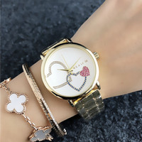 часы девушки любят оптовых-Мода Марка наручные часы для женщин девушка красочные Кристалл любовь сердце форма стиль металл стальной браслет кварцевые часы M55