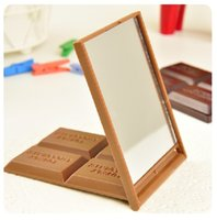 Wholesale mini mirror frame - Mini Folding Mirrors Simulation Chocolate Shaped Cosmetic Compact Mirror Portable Cute Pocket Makeup Tools New Arrival 1 3cs YB
