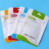 usb kabel verpackung taschen großhandel-Klare weiße Plastik-Polybeutel OPP-Verpackungs-Reißverschluss-Verschluss-Paket-Zusätze PVC-Kleinkasten-Griffe für USB-Kabel-Mobiltelefon-Kasten-Wand-Ladegerät