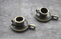 ingrosso fascino della tazza di caffè-10pcs / lot - Charms tazza e piattino, bronzo antico Lovely 3D tazza di caffè ciondolo fascino 9x18mm