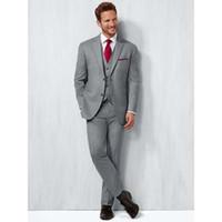 ingrosso tuxedo di moda grigia-Moda grigio chiaro Abiti da sposa uomo Slim Fit Smoking dello sposo Tre pezzi Abiti da uomo d'affari formale (giacca + pantaloni + gilet)