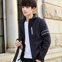 moda coreana al por mayor-Diseñador Chaqueta para hombre 2018 Moda Chaqueta deportiva para hombre Chaqueta nueva Tendencias coreanas Delgado Prendas de abrigo Ropa de abrigo