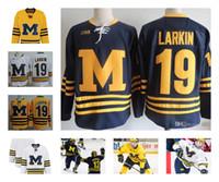 larkin джерси оптовых-Custom NCAA Colleage Хоккейные майки Мичиганские росомахи # 19 LARKIN # 13 Зак Веренски Мичиганские росомахи сшитые S-3XL