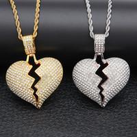 encantos do ouro para colares venda por atacado-Iced out Broken Love Coração Pingente Colares Bling dos homens De Cristal strass charme Amor Ouro Prata cadeia Trançado Para mulheres Hip hop Jóias