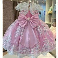 Wholesale classy girls - .Classy Pinky Baby Girls Birthday Dresses Lxuxry Pearls Sash Bow Short Sleeves Flower Girls Dresses Full Lace Appliques First Communion Dres