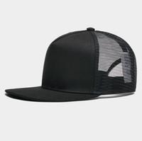 c8ebff425630d Aduana Niza 5 paneles Bordado Logo privado Flat Bill Algodón Snapback Caps  Malla Trucker Hats MOQ 10pcs por estilo por color.