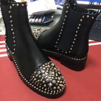 botas de moda desenhada venda por atacado-Clássico dedo do pé rebite design das senhoras botas curtas das mulheres personalidade da moda senhoras Botas de couro genuíno ankle boots da mulher tamanho 35-40With Caixa