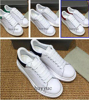 Wholesale Mens Style Cheap - 2018 Luxury Designer Casual Shoes Cheap Best High Quality Mens Womens Fashion Sneakers Wedding Shoes All 25 Colors European Fashion Style