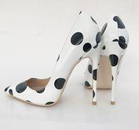 sapatos de salto alto venda por atacado-Euro 2018 beleza nova onda de salto alto sapatos de moda preto e branco ponto único sapato sapatos 12 cm tamanho grande sapatos de casamento de 43 metros.