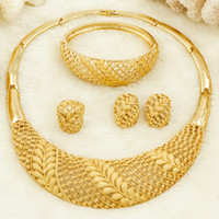 ingrosso anelli di nozze d'oro africano-Donne africane Moda gioielli Sposa Set di gioielli da sposa 18 Oro Dubai Oro Design Orecchini a cerchio Orecchini Bracciale con ciondolo