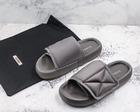 Wholesale three floor fashion for sale - Group buy Exclusive shipment in all three colors Original top quality Kanye West SEASON fashion slippers Bread slippers sandal with box size