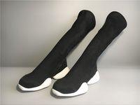 botas médias venda por atacado-New owens outono e inverno botas de ferradura de fundo grosso de alta elástica tubo médio botas de cavalheirismo amantes da moda botas para homens e mulheres