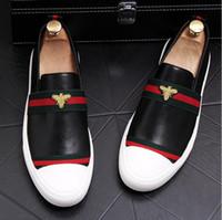 nouveau style hommes chaussures achat en gros de-2018 Nouveau Style Hommes Noir Robe Chaussures Automne En Cuir Chaussures En Cuir Véritable Bussiness Chaussures Formelles Chaussures De Mariage J241