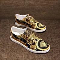 zapatos para correr streetwear al por mayor-2018 hombres zapatos de diseño para la boda de moda Ultra Boost hombres zapatos Streetwear zapatos de cuero de marca de lujo EU38-44 talla Running desgaste