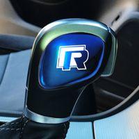 ingrosso vw jetta gear-Car Gear Shift Knob Adesivo Car Gear Head Cover Badge per VW Volkswagen Golf 4 5 6 7 Passat B5 B6 Polo CC Tiguan Jetta Sticker