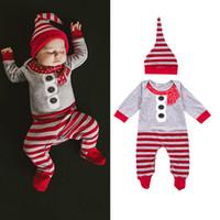 baby schal buttons großhandel-Baby Weihnachten Footies Hut Anzüge Gestreifter Schal Knöpfe Printed Grau Rot Patchwork Newborn Baby Designer Kleidung Winter Langarm 0-9M