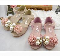 Wholesale shoes children girls flowers resale online - Girls pearls sandals fashion Children falt bottom sandals beaded stereo flowers princess shoes girls wedding party sandals size Y4213