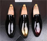 mocassins européens achat en gros de-2018 Nouveau style Style Européen À La Main en cuir brossé Chaussures Hommes Formelles Chaussures Glissent Sur Bureau D'affaires De Mariage Costume Robe Mocassins G38