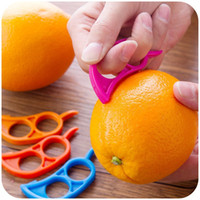 ouvreur fruits orange citron éplucheur achat en gros de-Creative Orange Peelers Zesters Lemon Slicer Fruit Stripper Facile Ouvrir Couteau Couteau Outils De Cuisine Gadgets (Couleur Aléatoire)