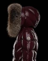 büyük parka ceketi kadın toptan satış-2018 Sıcak satış Marka M Kadınlar Kış aşağı Palto Kalın Uzun Parkas 95% Büyük Gerçek Rakun Kürk Yaka Aşağı Kapüşonlu Ceket Siyah / Kırmızı Renk