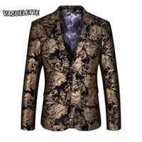 b8574da23e5a6 2018 elegante chaqueta de oro de los hombres impresos paisley traje floral chaqueta  fiesta de la boda ropa para cantante chaqueta de oro para hombres M-4XL