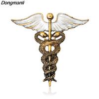 çubuk pimi toptan satış-P2245 Dongmanli Vintage Caduceus Pin Tıbbi Takı Hediye için Doktor / Hemşire / Tıbbi Öğrenci Askısı Asclepius Acil Broş