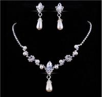 gelin damla damla mücevherat toptan satış-2018 Kristal Bırak Inciler gümüş kaplama kolye İmitasyon küpe Düğün takı setleri gelin Nedime kadınlar için Gelin Aksesuarları