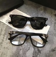 Wholesale sunglasses w resale online - Mens Heart Luxe Square Polarized Sunglasses Black w silver Frame and Black Sonnenbrille Designer sunglasses Summer Driving glasses New