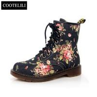 botas de vaquero botas al por mayor-COOTELILI tallas grandes moda otoño hermosa flor zapatos mujer con cordones motocicleta vaca músculo vaquero plana botines para mujeres