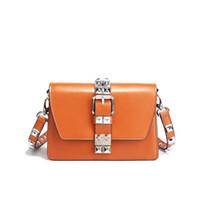kleine pakettasche großhandel-Echtes Leder Weiblichen Beutel 2018 Frühjahr neue Paern Mode Einfache Niet Paket Single Shoulder Slant Bag Small Square