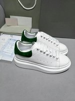 Wholesale fitness media - 2018 Designer Luxury Brand Man Casual fitness Shoes New Mens Womens Fashion White Leather comfortable Shoes Flat Casual Shoes Lady green