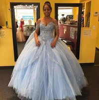 quinceanera kurze party kleider großhandel-Light Sky Blue Ballkleid Quinceanera Kleid 2018 Kristall Perlen weg von Schultern Kurzarm Puffy Sweet 16 Pageant Prom Party Kleider