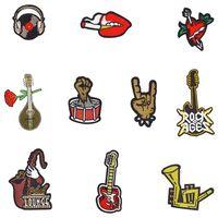 ağır metal yamaları toptan satış-Kulaklıklar için 10 ADET Punk Serisi Yamalar Kalp Parmak Pipa Ağır Metal Boynuz Gitar Sa si rüzgar Ceket Giyim Kıyafet Yama Dikmek