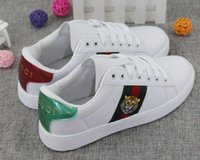 Wholesale head rounding - New Men Women Sneakers Loafers Designer Luxury Brand Embroidery Small Bee Tiger head snake Casual Flat Shoes Unisex Zapatos Trainers 36-44