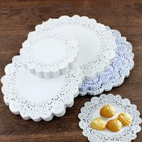 white paper placemat Australia - 500pcs White Lace Creative Craft Round White Paper Lace Doilies Cake Placemat Party Wedding Gift Decoration free shipping
