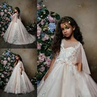 robes à la mode achat en gros de-Trendy Puffy Lace Flower Girls Dress pour le mariage à manches courtes Tulle Long Girls Pageant Dress Organza Première Communion Dress Girls Party Robes