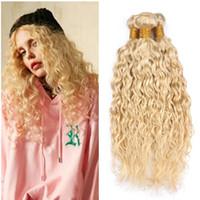 ingrosso vendita dei capelli umani biondi-Fasci di capelli biondi onda d'acqua 613 capelli umani vergini brasiliani tesse estensioni capelli bagnati ed ondulati biondi 3 pz lotto nuovo arriva in vendita