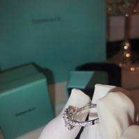 ingrosso diamanti di smeraldo-Anello del progettista di marca per le donne Anello di cerimonia nuziale del diamante del taglio dello smeraldo Accessori superiori di Fashaion dell'anello di Crytal Formato all'ingrosso degli Stati Uniti