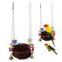 columpios de juguete al por mayor-Rattan Trenzado Nido Loro Budgie Chew Toy Bird Cockatiel Jaula Hamaca Columpio Juguetes para Mascotas Suministros 9 5sa C
