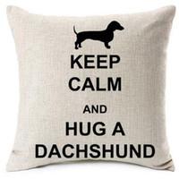 funda de cojín de amor del corazón al por mayor-Nuevo diseño Hug A Dachshund Fundas de cojines Christmas Love Heart Satr Wiener Dog Cat Funda de almohada Funda de almohada de lino beige Dormitorio