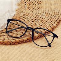 coreano espetáculos moldura venda por atacado-Clássico super leve óculos de armação de moda tendência espelho simples versão coreana homens mulheres podem combinar armações de óculos para miopia