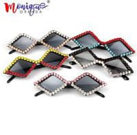 ingrosso occhiali da sole in cristallo-triangolo di lusso mix Strass cat eye occhiali da sole da donna e da uomo piccoli occhiali da sole vintage economici per bambini oculos de sol